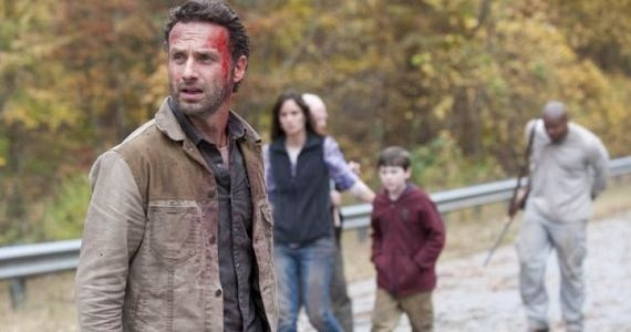Andrew-Lincoln-Sarah-Wayne-Callies-IronE-Singleton-Chandler-Riggs-The-Waking-Dead-Beside-the-Dying-Fire